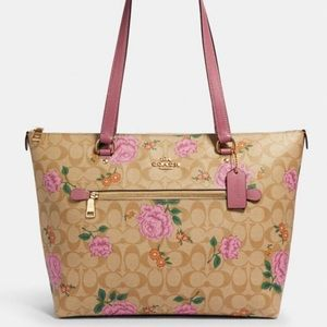NWT Coach Gallery Tote Signature Prairie Rose Bag